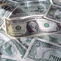 Долар готівкою дорожчає через підвищений попит, – думка фахівця