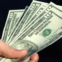 Долар у центрі Харкова знову пішов угору