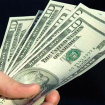 Долар на міжбанку дійшов до 7.70 грн/дол