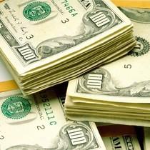 Долар США на міжбанку продають по 7.45 грн
