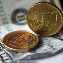 Нацбанк знову обвалив євро.