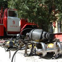 Як МНС загасило пожежу у харківському ліцеї (фоторепортаж)
