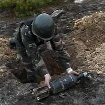 Поблизу арсеналу в Лозовій розкидано снаряди, що не здетонували