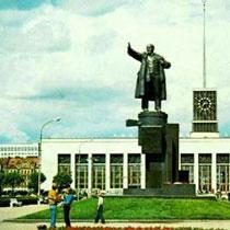 Терміново! На площі висадили в повітря пам'ятник Леніну