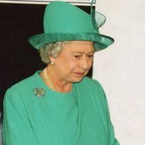 Як пустує охорона Букингемського палацу в покоях королеви