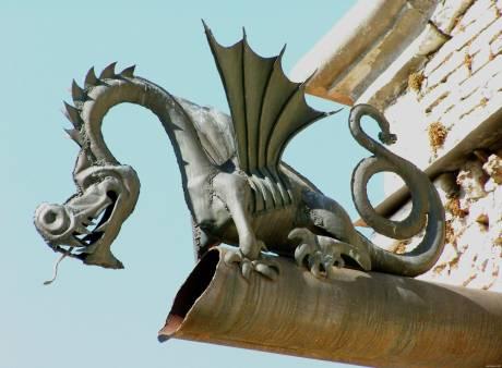 Культурна спадщина України: Хай наші замки бережуть дракони?