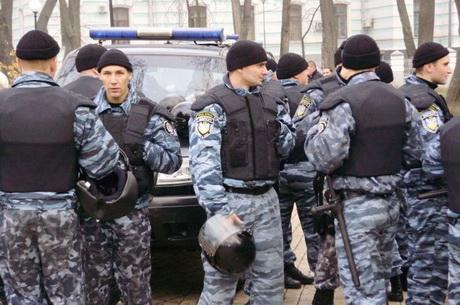 Під час роздачі листівок була затримана координатор руху «Спільна справа» Антоніна Кравченко