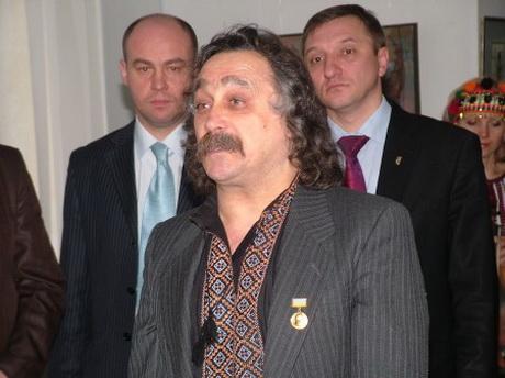 Ювілейний вечір поета Степана Сапеляка супроводжувався оркестровою музикою та автентичним співом