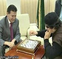 Зустрілись два бедуїна: У Лівії відбувається битва не лише на землі,але  і на шаховій дошці