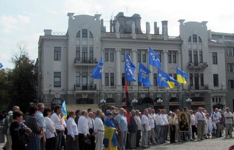 Мешканців Харкова з Днем Незалежності України вітали громадські організації, партії та депутати Львівської міської ради