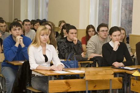 """""""Батьківщина молода"""" закликає всіх студентів розпочати першу пару десятихвилинною політичною акцією"""