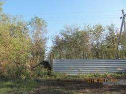 Четверту частину периметра озера, що в Лозовеньках, заблоковано парканами