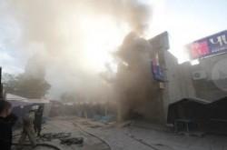 Гігантська пожежа знищила торговий центр дотла: рятувальники підозрюють підпал (ФОТО)