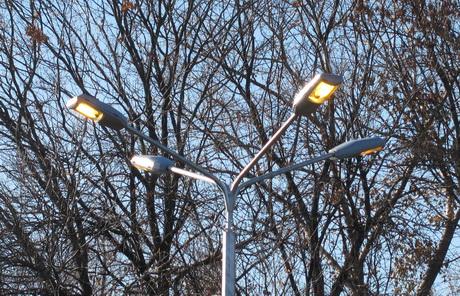 У Харкові продовжують освітлювати вулиці вдень