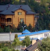 Син президента України Олександр Янукович отримав дозвіл на отримання у власність ще однієї земельної ділянки в Донецьку