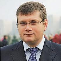 Дніпропетровщина: багатогранний талант губернатора Олександра Вілкула - від будівництва до лікування глухих