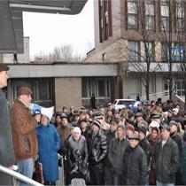 Чорнобильці Донецька знову мітингують: нехай Азаров пояснить, як він визначав пенсію ліквідаторам