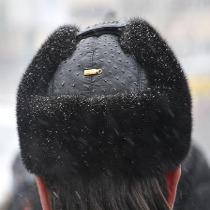 «Банкет під час чуми» : Донецькі керівники  ходили до безхатченків у шапках зі страуса та шубах з норки