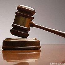 Жінку засудили на  дев'ять років за вбивство і каліцтво прийомних дітей