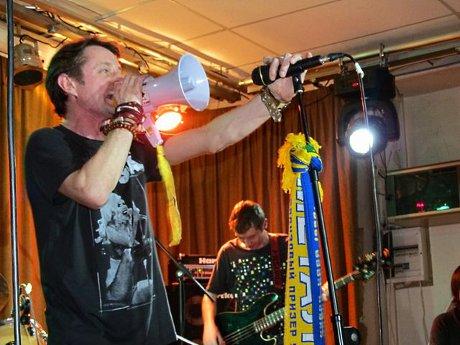 Соціальний диско-панк для харківської публіки від Сергія Жадана та «Собак у космосі»