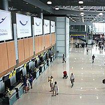 Кількість пасажирів та рейсів у відновленому аеропорту Харкова швидко зростає