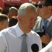 """Донецький мер розповів """"регіоналам"""", чому у мера депресивної Макіївки безтурботне життя"""