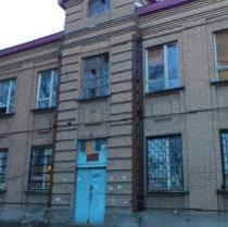 У Донецьку батьки для захисту школи скликають громадські слухання