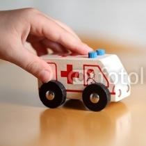 Дитинство коротке, а реформа вічна: на Дніпропетровщині не буде дитячих лікарів, а поліклінік вже немає