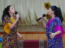 Дует Кристини і Лаури Марті: Музичний подарунок  рідній школі  (Фото)