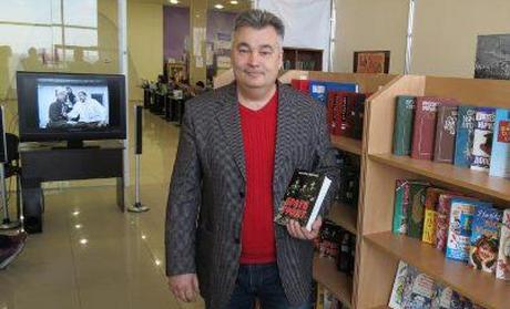 У Луганську відкрили першу патріотичну книжкову крамницю