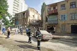 Руйнування будинку в центрі Одеси: як рятувальники діставали людей з-під уламків (ФОТО, ВІДЕО)