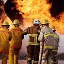 Через дитячі пустощі з вогнем у Херсоні згоріли 4 автомобілі