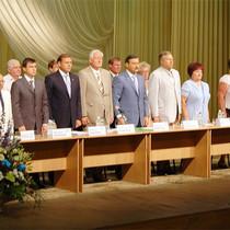 З політичного міжсезоння Партія регіонів у Харкові спочатку заскочила до бібліотеки