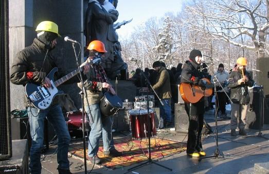 «Остання Барикада» завітала до харківського Євромайдану