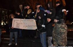 Влада Луганська до мітингарів має дві пропозиції: підкуп або звільнення