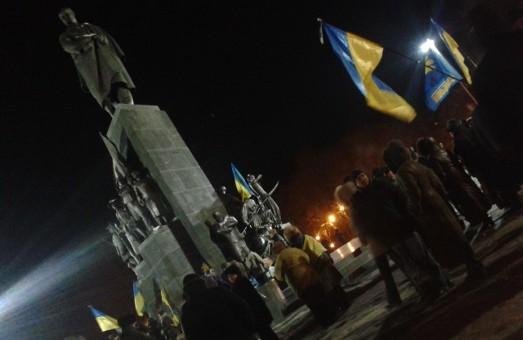 «За ними мільярди в офшорах десь в банках, за нами – Україна», - активіст харківського Євромайдану