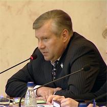 Салигін влаштовує прощальну прес-конференцію
