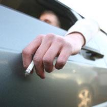 Кожен день в Харкові у водіїв віднімають сигарети