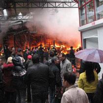 У квітні на Барабашово згоріло майже 100 магазинів.