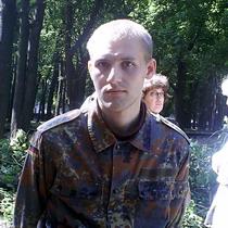 У Парку Горького з 4 ранку триває боротьба за кожне дерево, яке ще не встигли зрубати (ФОТО)