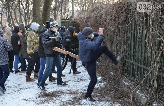 Додому відпустили ще двох учасників «штурму» Дніпропетровської  ОДА