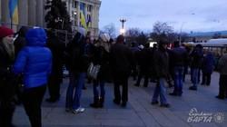Біля харківської ОДА триває  протистояння Євромайдану і  бандитів