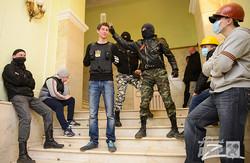 Сепаратисти захопили облдержадміністрацію. Чекають на Януковича