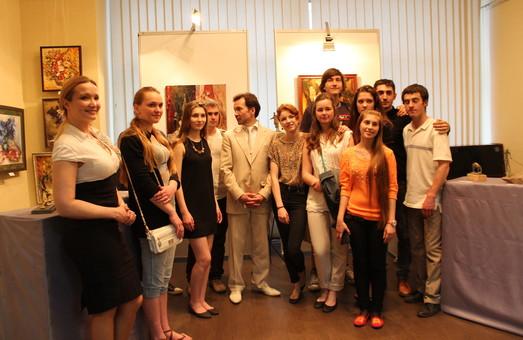 В Харкові відкрилася художня виставка «Дарую майстерність»