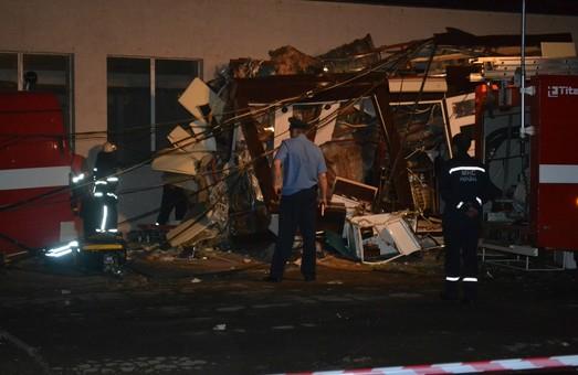 У Харкові впав будівельний кран. Одна людина загинула
