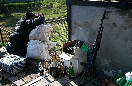 Терористи вбили українського силовика біля Слов'янська. Ще троє поранені (ВІДЕО перестрілки)