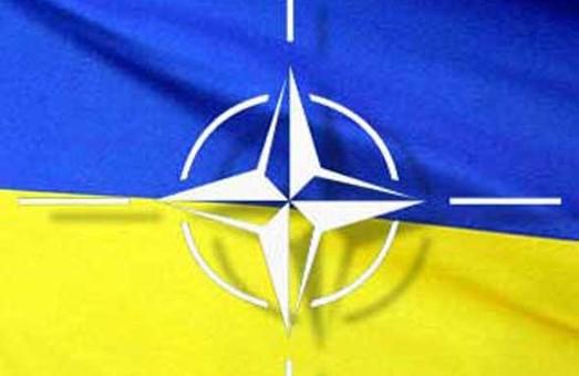 УКРАЇНУ – В НАТО!