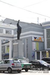 Пам'ятнику Леніну на Баварії відбили голову