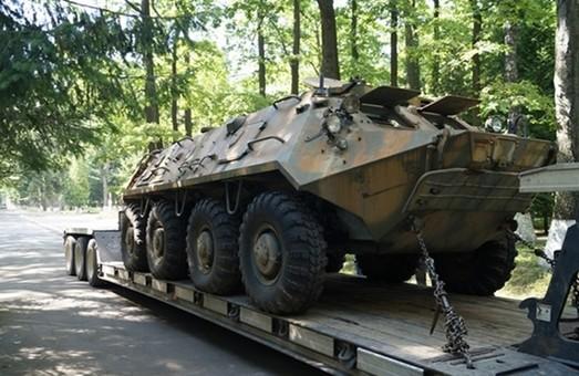 Львівські прокурори зібрали гроші на ремонт БТР для українських військових