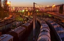Донецька залізниця через бої втричі скоротила перевезення вантажів